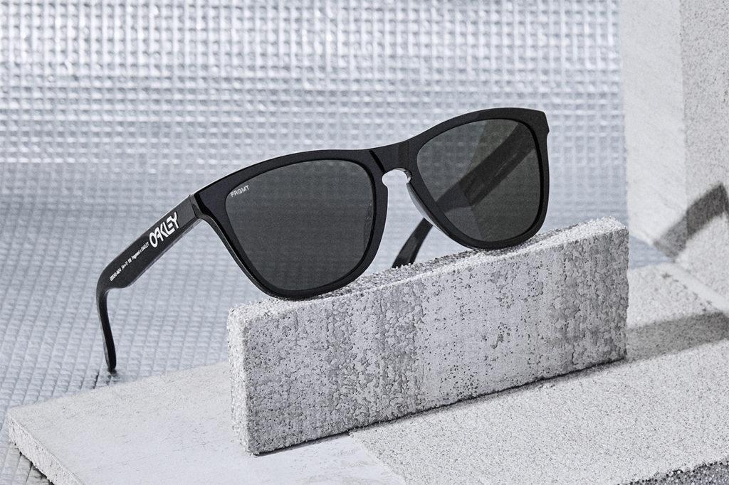 FROGSKINS (A) Fragment フレーム:Polished Black レンズ:Dark Grey  ¥19,200 + TAX